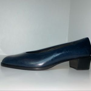 Amalfi Italy blue leather pumps made in Italy